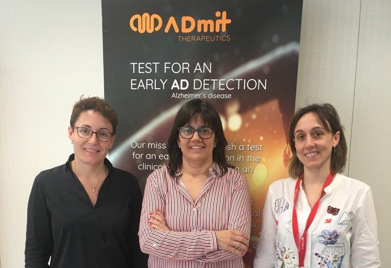 Al centre de la imatge, Marta Barrachina, directora i cofundadora de l'empresa ADMit Therapeutics, biotecnolÚgica que desenvolupa un test
